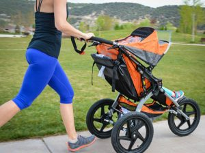 Como escolher o carrinho do bebê?