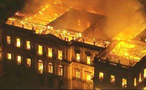 Incêndio no Museu Nacional e o oportunismo do brasileiro
