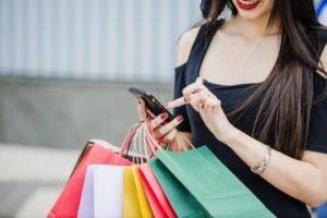 """""""Eu mereço comprar"""" é justificativa para não poupar"""